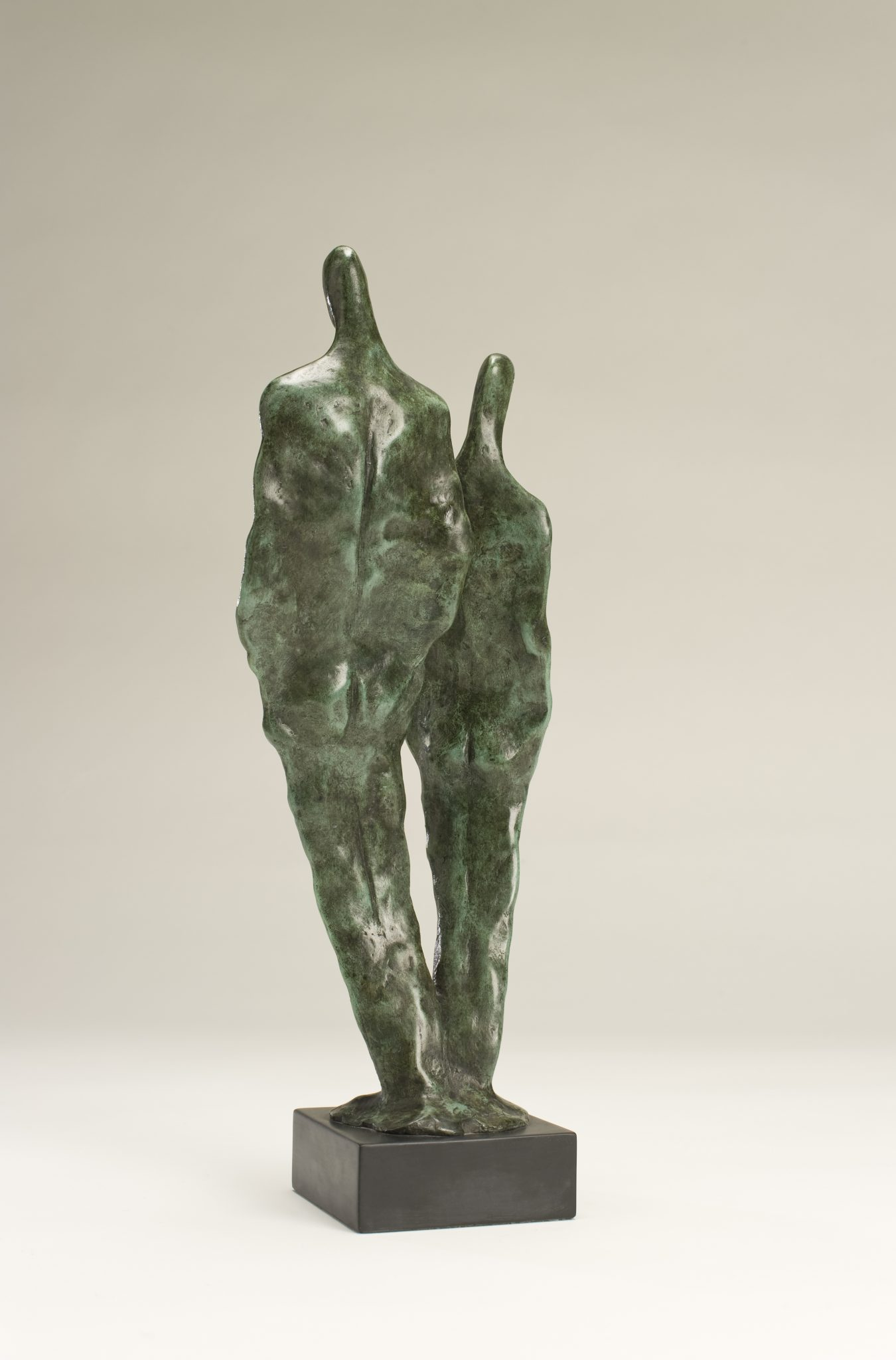 Back view of sculpture of loving couple